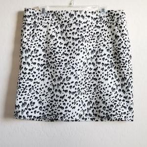 LOFT snow leopard print mini skirt with pockets L